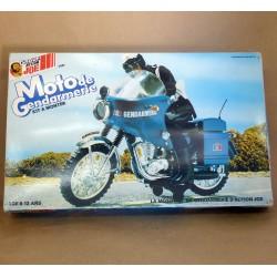Moto de gendarmerie Action Joe en boîte